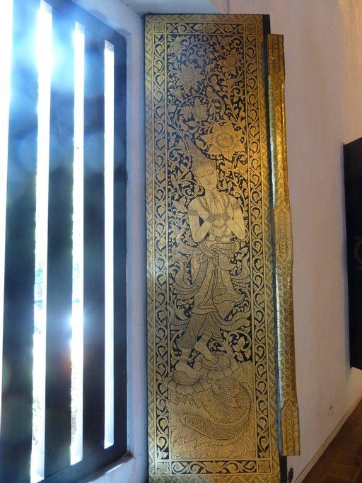 gold, shutter